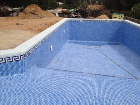 Como llenar una piscina awesome llenar la piscina con for Llenar piscina precio